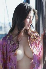 橋本マナミ乳輪透け画像2