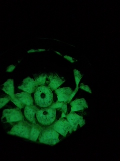 闇の緑色キャンディボックス蓋のつまみ