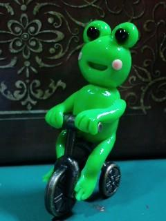 サイクリング♪サイクリング♪三輪車蛙