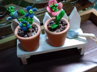 植木棚と鉢植え