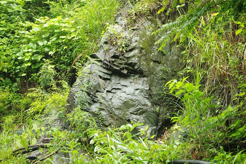 埼玉県の鉱物産地情報 東秩父村朝日根のパンペリー石鉱物採集