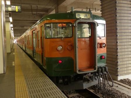 小山駅 115系電車