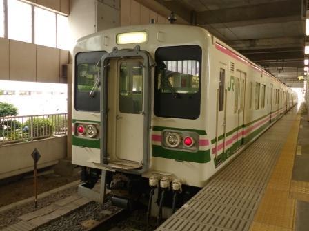 小山駅 107系電車