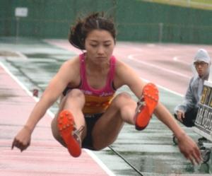 150704-1女子幅跳び_035