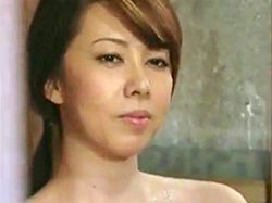 ヘンリー塚本【風間ゆみ】:風呂場から男を品定めする奥さん