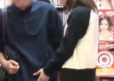 鈴村あいり彼女のお姉さんは、誘惑ヤリたがり娘絶品の舐めテクでご奉仕立ちバックxvideos