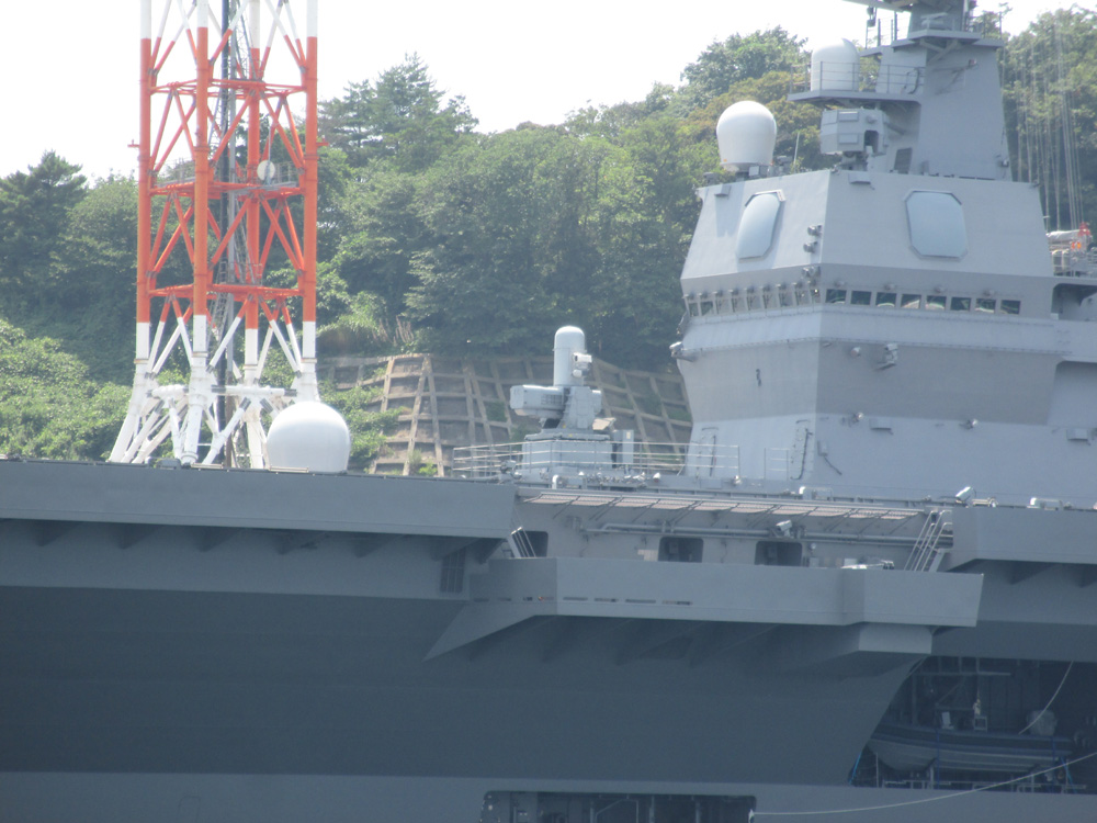 YOKOSUKA港めぐり 004-02