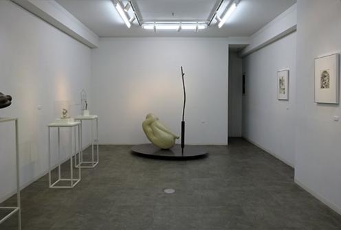 奥田秀樹彫刻展会場風景