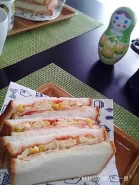 マトリョーシカが見守るサンドイッチモーニング2