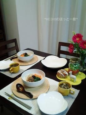 夜更けの4色おうちカフェ丼