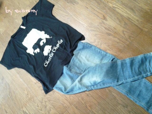 チャップリン Tシャツ コーデ