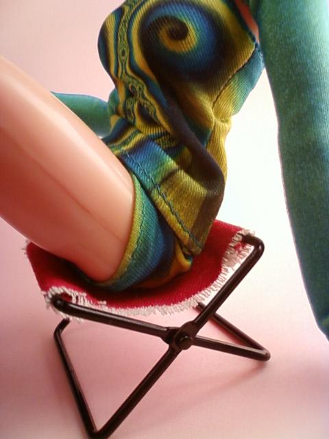 folding_chair_f.jpg