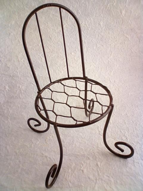 wire_chair_a.jpg