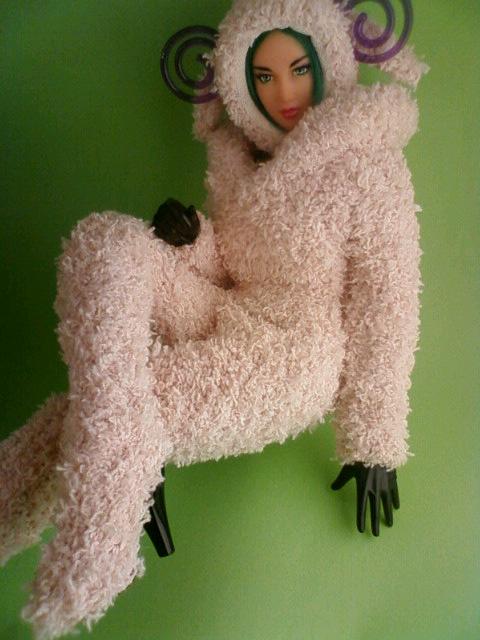 wool_girl_b.jpg