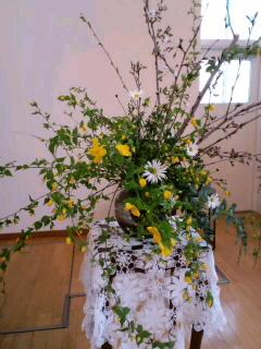 黄色い礼拝堂のお花。