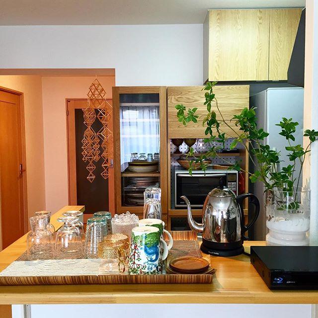 ウニコ 食器棚