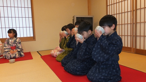 北崎保育園 お茶会 (6)
