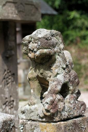 秋鹿神社のちっちゃい狛ワンコ