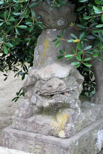 野波浦日御碕神社の狛ワンコ
