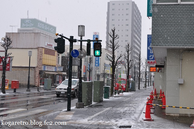 雪の古河駅3