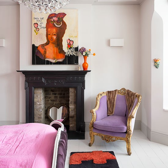 Contemporary-bedroom-with-artwork-and-chandelier.jpg