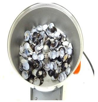貝殻粉砕機