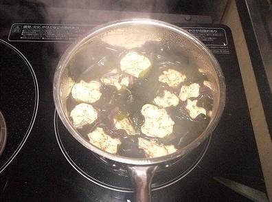干しナス味噌汁作り