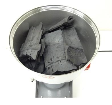 竹炭を100メッシュ程度の粉にする機器