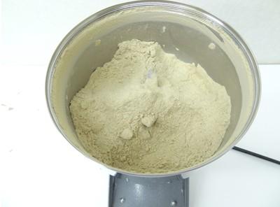 煮干しのパウダー化(ハイスピードミル)