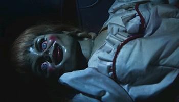 アナベル 死霊館の人形01