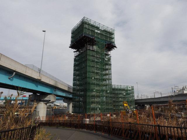 橋脚建設中。