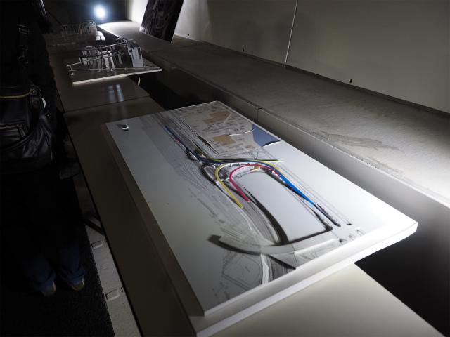 大井JCTの模型。奥が横浜方面。