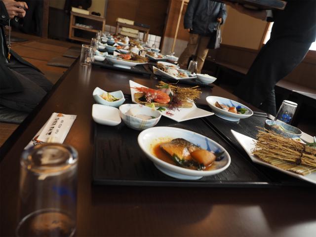 腹減った。ようやく昼飯〜。海湘丸 海老名店になります。