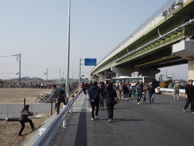 3月22日に圏央道幸手インター前後で開催された開通ウォーキングです。開催する自治体によって名称が異なりますが、当ブログでは開通(前)ウォーキングで統一しています。