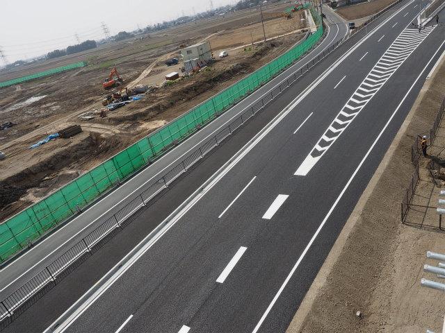 従来の市道と圏央道の間にあるのが幸手インター連絡線。圏央道開通の2日前に供用されました。