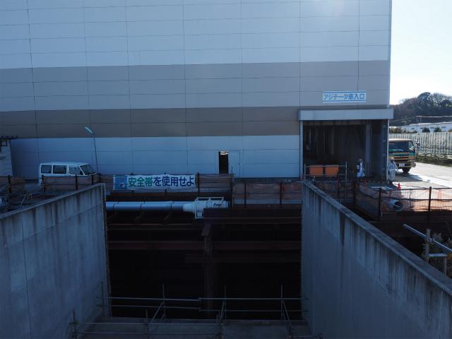 アジテーター棟。コンクリートを作る施設です。前回はこの中で液状化の説明を受けました。