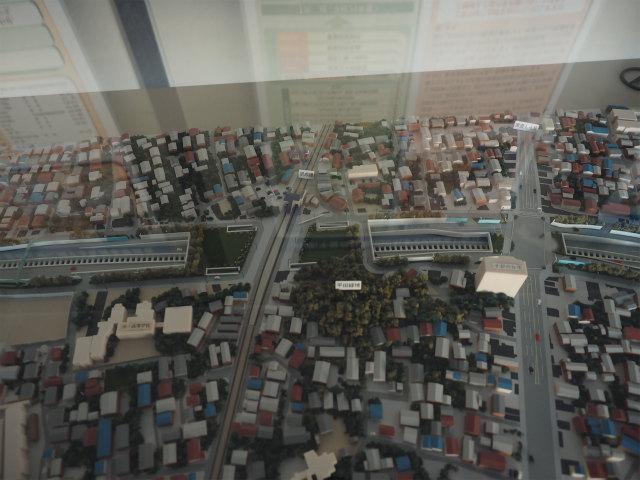 京成本線と国道14号との交差部。