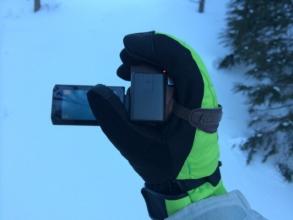 スキー場でのビデオカメラの持ち方
