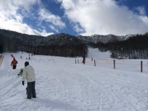 【子供と遊ぶ】 標高1600mの「八千穂高原スキー場」は、雪質が良くて、ゲレンデが混雑していない!