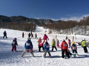 【子供と遊ぶ】 子供のスキー教室(スキーレッスン)で評判が良いスキー場は?八千穂高原スキー場のジュニアランド♪
