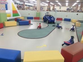 【子供と遊ぶ】 雨の日でも子供が爆発的運動量で楽しめる遊び場♪