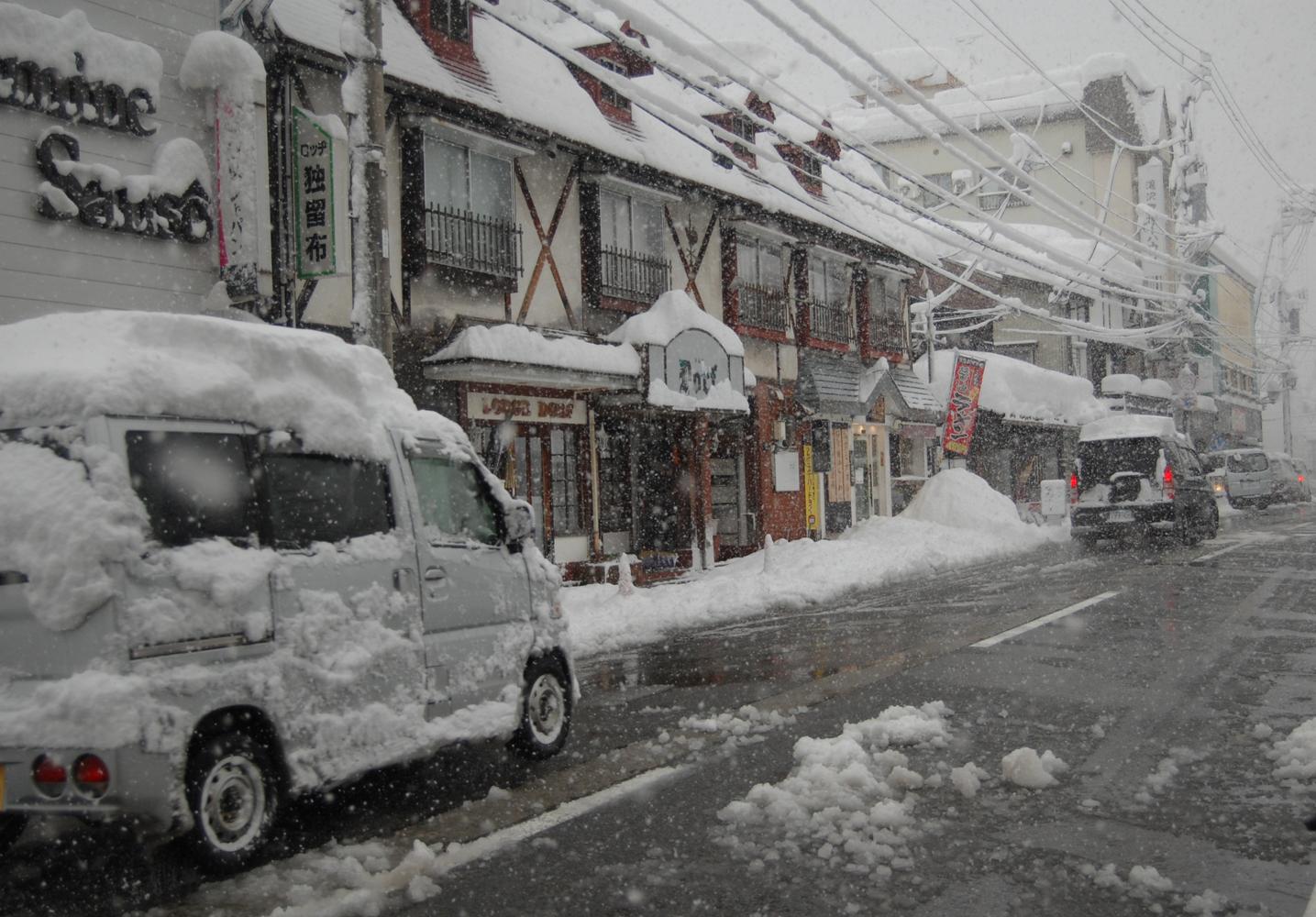 吹雪の温泉街