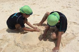 GUAM038砂遊び