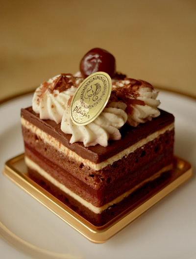 【ケーキ】プレジール「オペラ・フォレノワール」