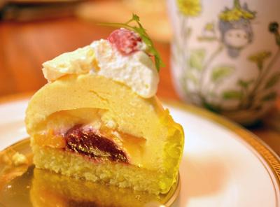 【ケーキ】メゾン・ド・プティ・フール「ボンブエキゾティック」 (1)