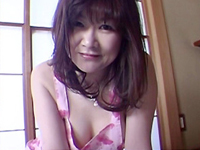 【無修正】巨乳熟女の裸エプロン 桜沢愛子