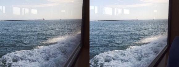 ファンタジー号からの眺め 神戸第一防波堤西灯台(平行法)