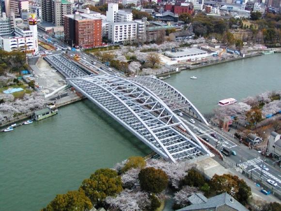 建造中の新桜宮橋