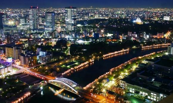 造幣局の桜の通り抜け 夜桜ライトアップ
