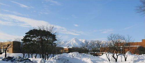 01 500 20150114 朝 妙高連山、文化ホール01